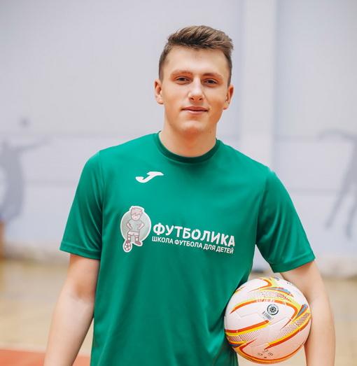 тренер футболики Леонид Лазаренко